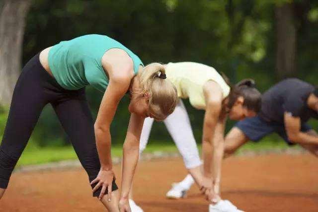 如何在做健身运动的时候喝水